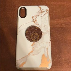 Otter box for IPhone XS Max with LV pop socket